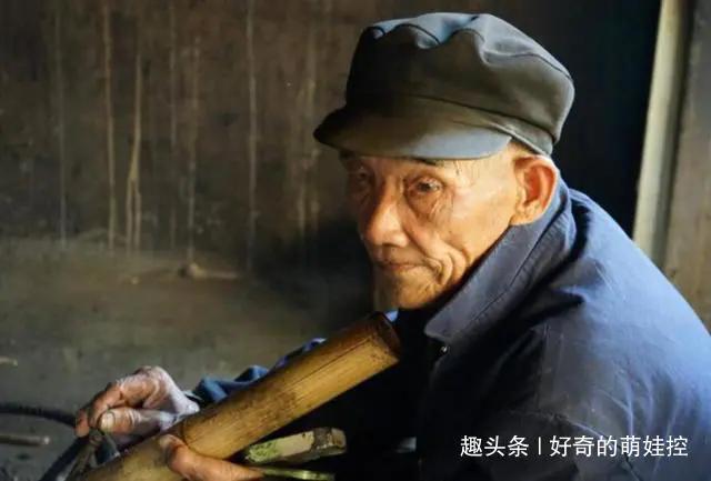 孝顺是无奈的句子【正能量孝顺老人的句子】