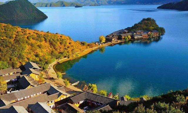 湖边心情说说【赞美湖景的短句子】